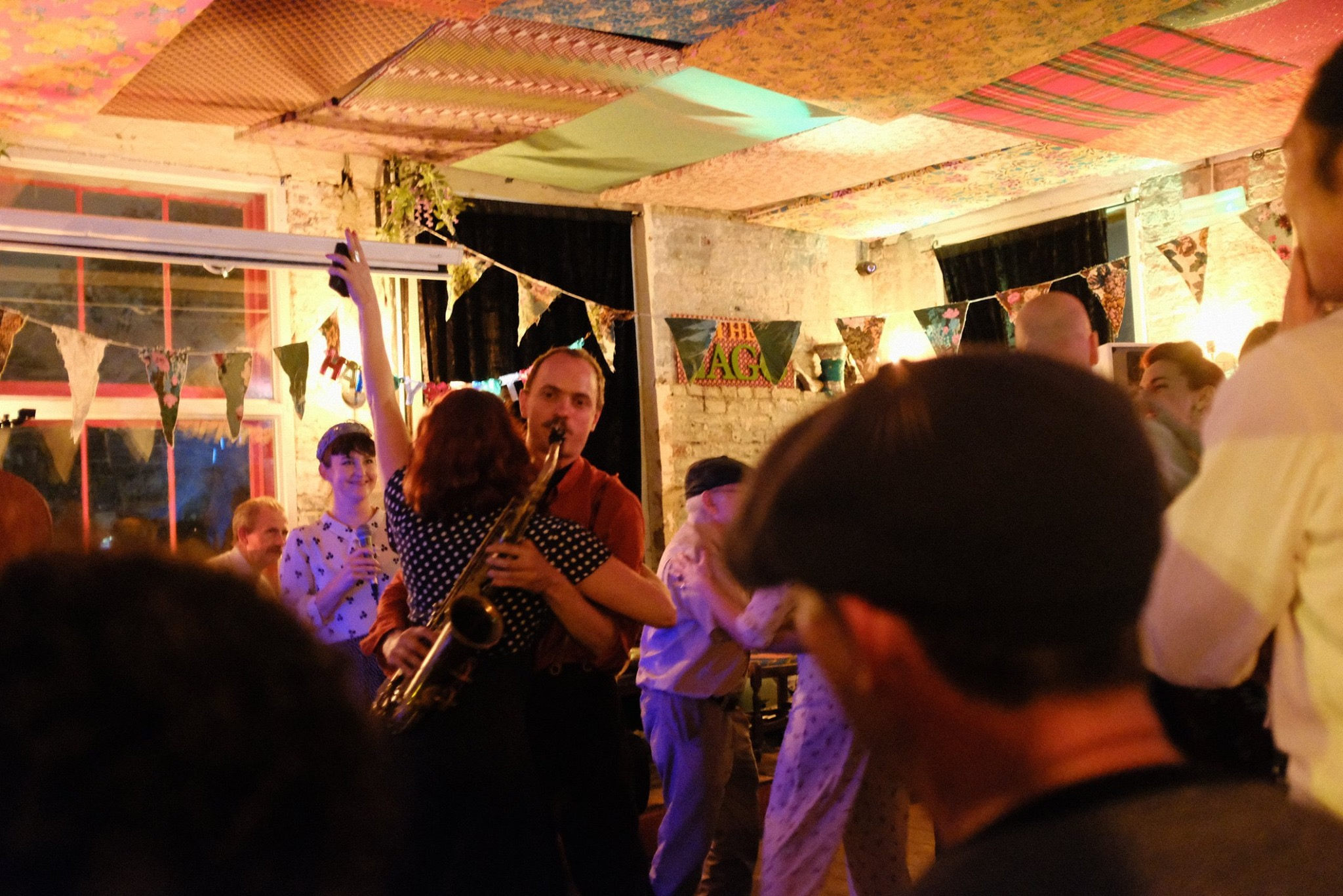 The Cake Walk Cafe: Live jazz and swing dance lessons every week!