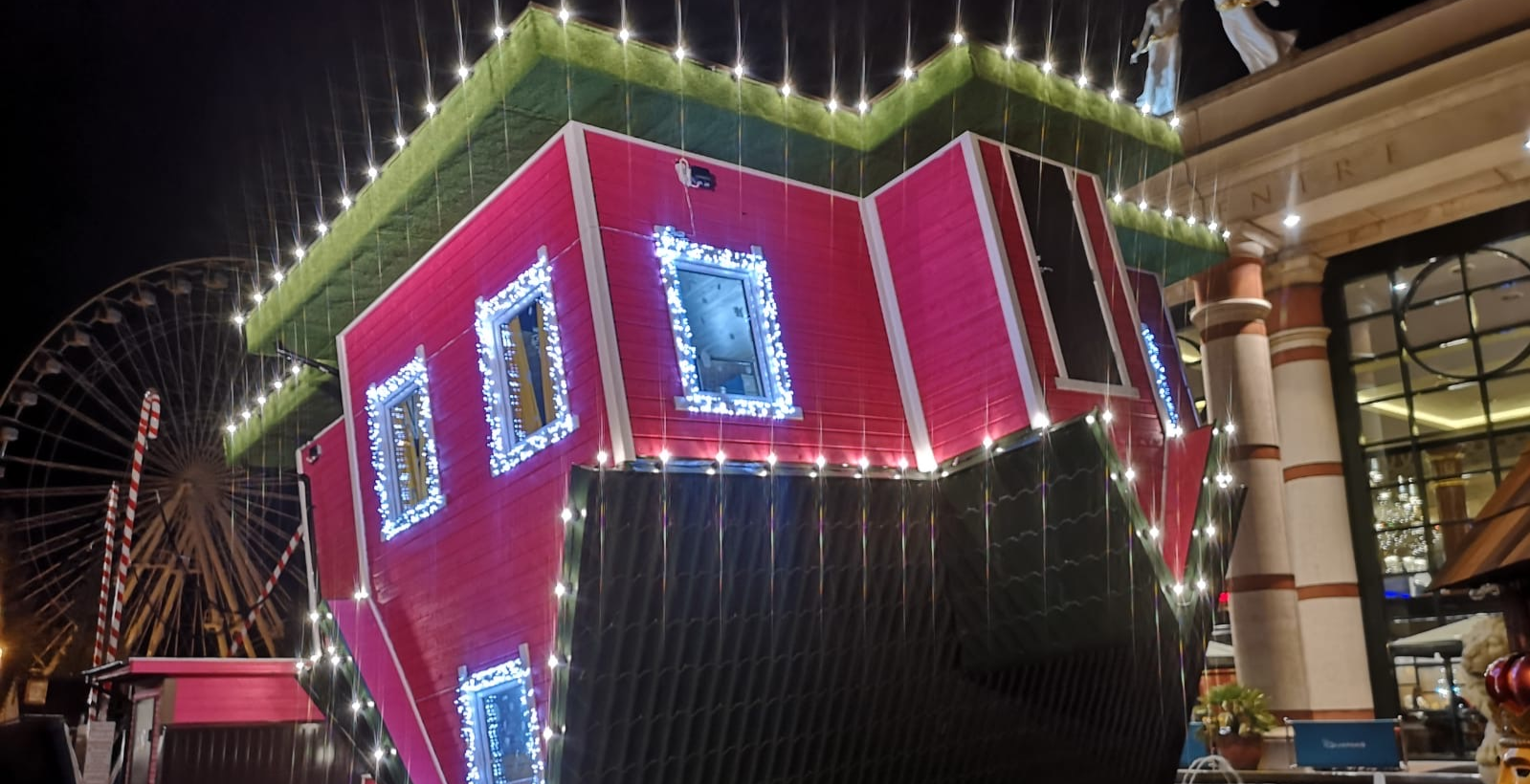 Upside Down House - intu Trafford Centre