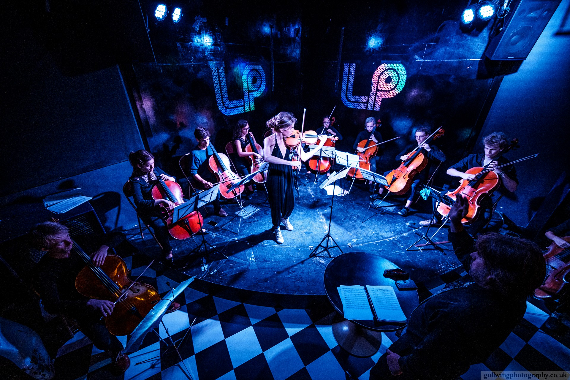 PHILIPPA MO @ THE CURTAIN, AN IMMERSIVE LIVE MUSIC EXPERIENCE