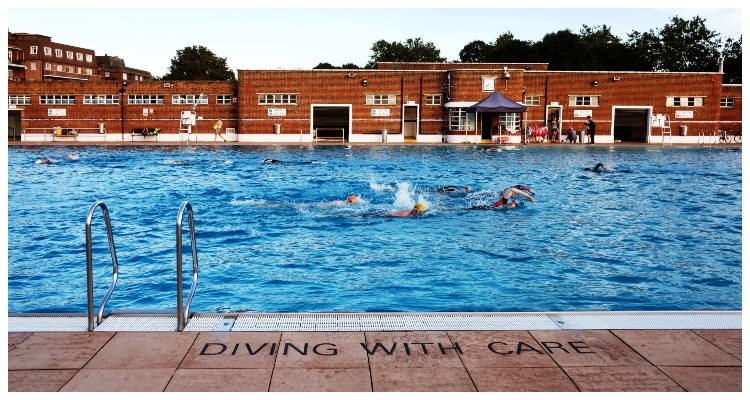 Outdoor Pools In London Parliament Hill Lido