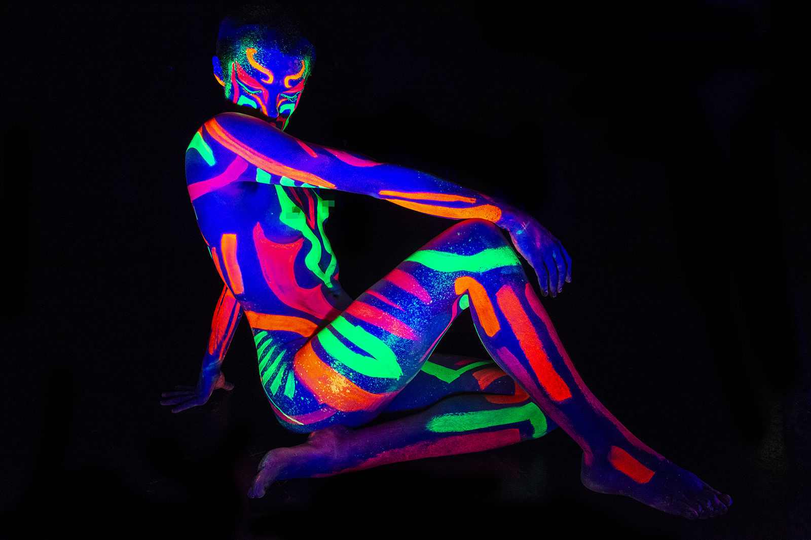 Colours Hoxton Host Neon Not Fully Naked Life Drawing!