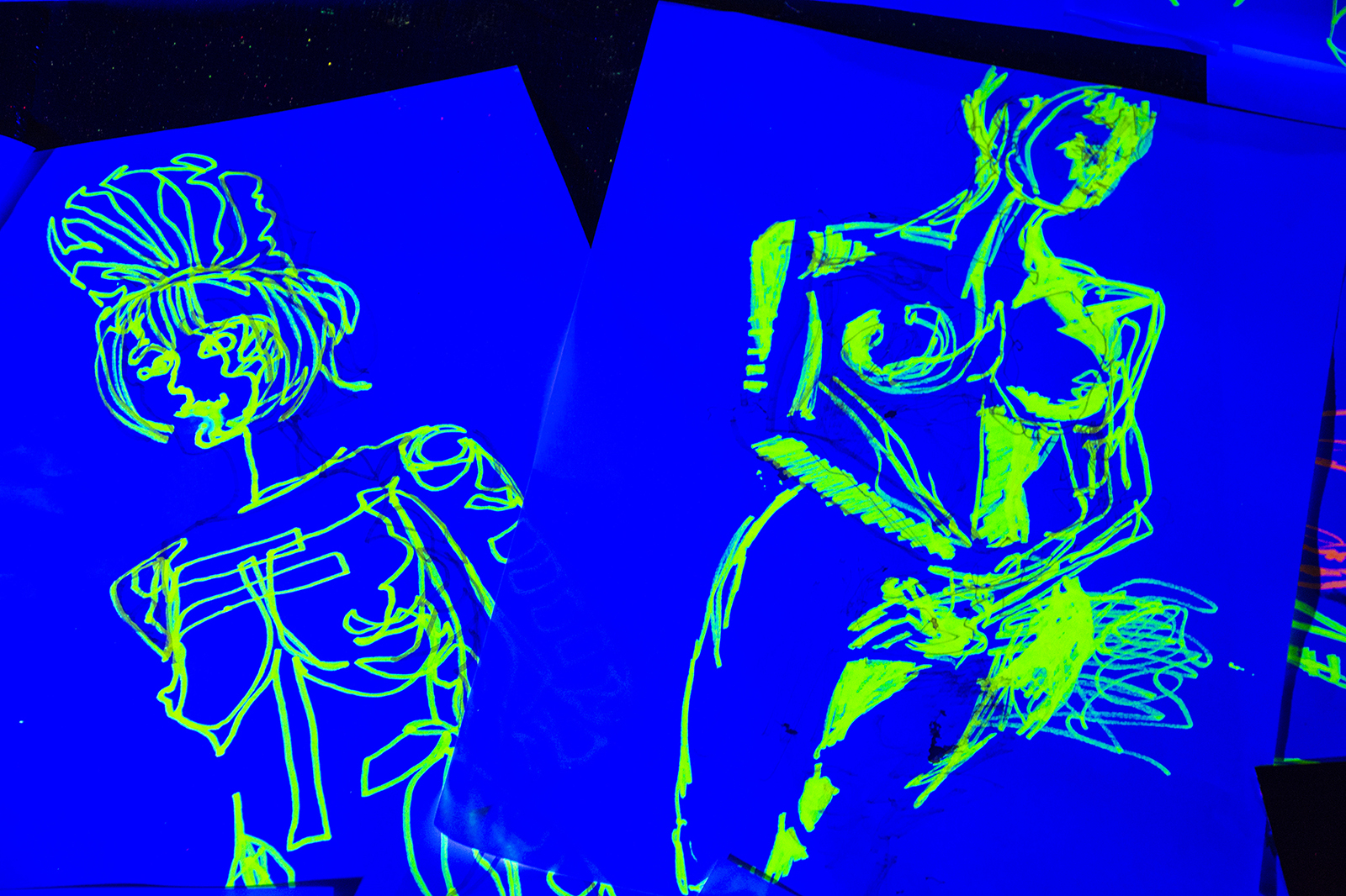 Ninth Life Host Neon Naked Life Drawing!