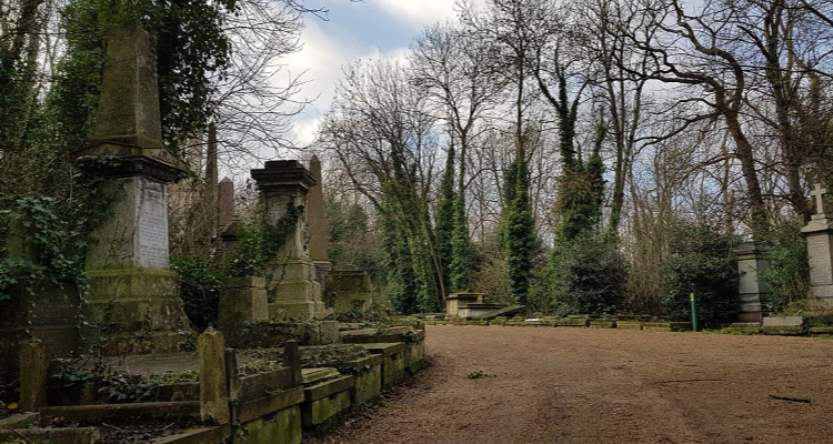 Nunhead Cemetery | Secret Walks In London | DesignMyNight
