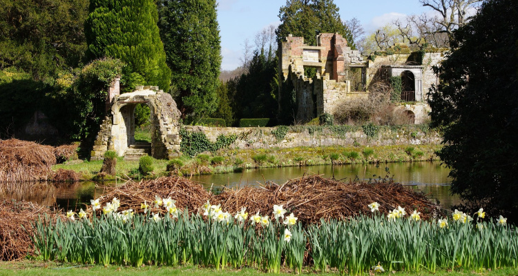 Scotney Castle | Quirky Day Trips From London | DesignMyNight