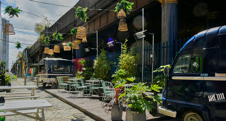 Alfresco Drinks: Nine Lives Alley London | DesignMyNight