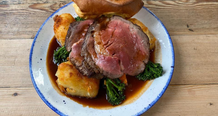 Red Lion And Sun | Deliver Sunday Roast North London | DesignMyNight