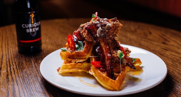 All Star Lanes Stratford Brunch Chicken And Waffles
