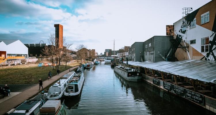 Narrow Boat: London Canal Walk   DesignMyNight