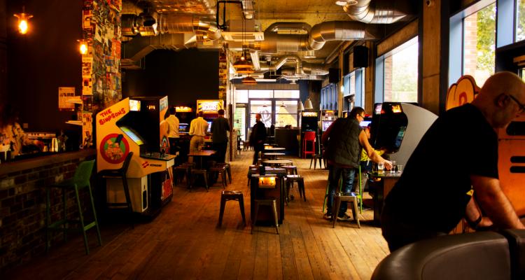 Four Quarters London Bar Review: DesignMyNight Drops By