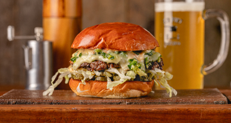 Flat Iron Short Rib Smoked Chilli Cheeseburger   DesignMyNight