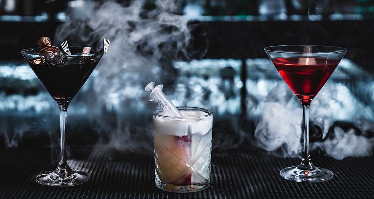Smith's Bar & Grill Halloween | DesignMyNight